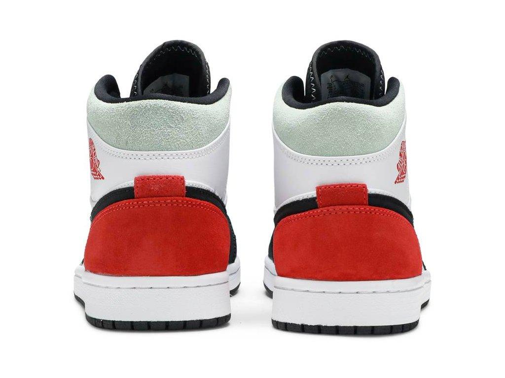 Air Jordan 1 Mid SE Union Black Toe.png